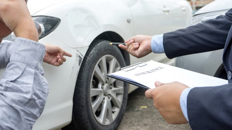 What are the essential things to look for before hiring a car accident lawyer?