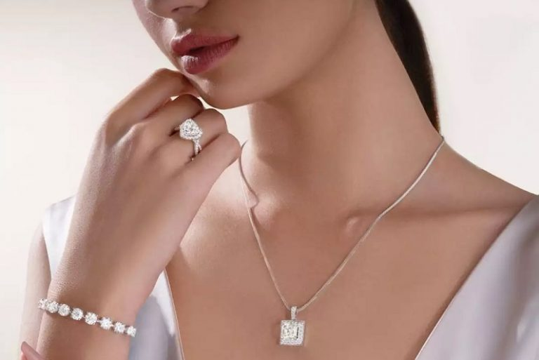 Best 5 Jewellery Gifts That Your Girlfriend Can't Deny