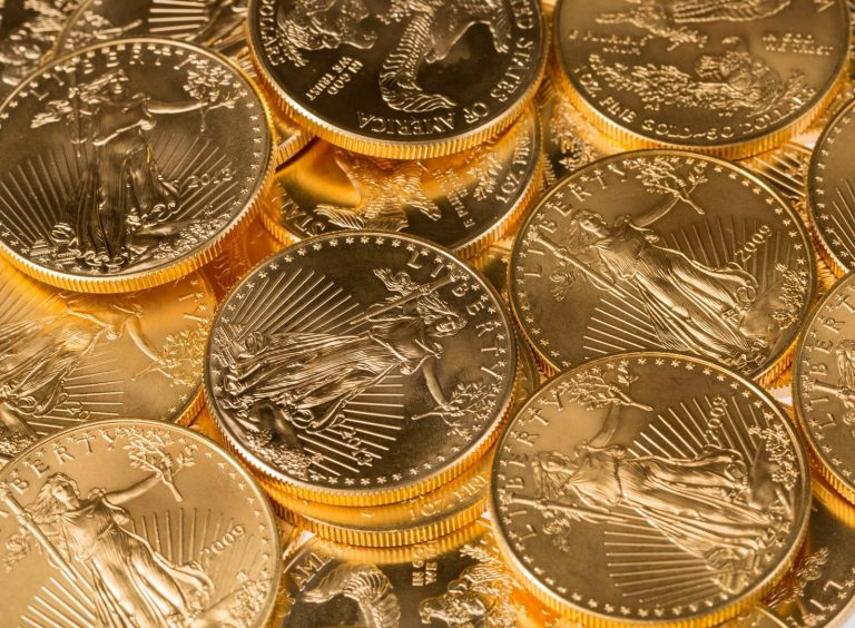 Silver bullion bars vs. Silver bullion coins