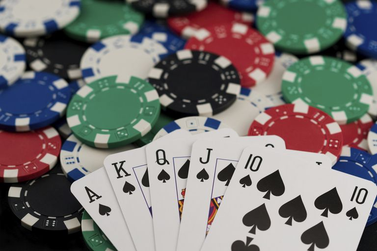Top Benefits of Playing Poker Online