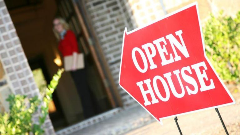 Real Estate Agents And The Internet – How To Buy And Sell Real Estate During This Pandemic?