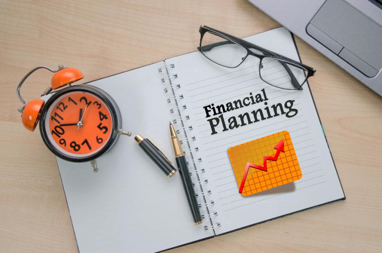 What are the types of financial planning?