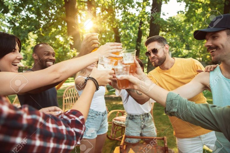 Enjoy a Backyard Party with Beer and Golf